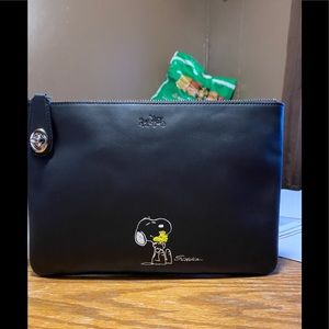 Coach Snoopy Folio